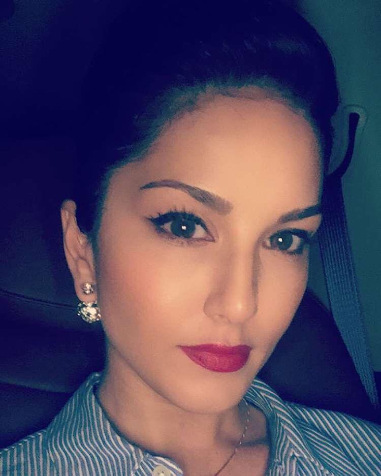 Sunny Leone Instagram Update | ALL IN ONE INSTAGRAM - AioInstagram