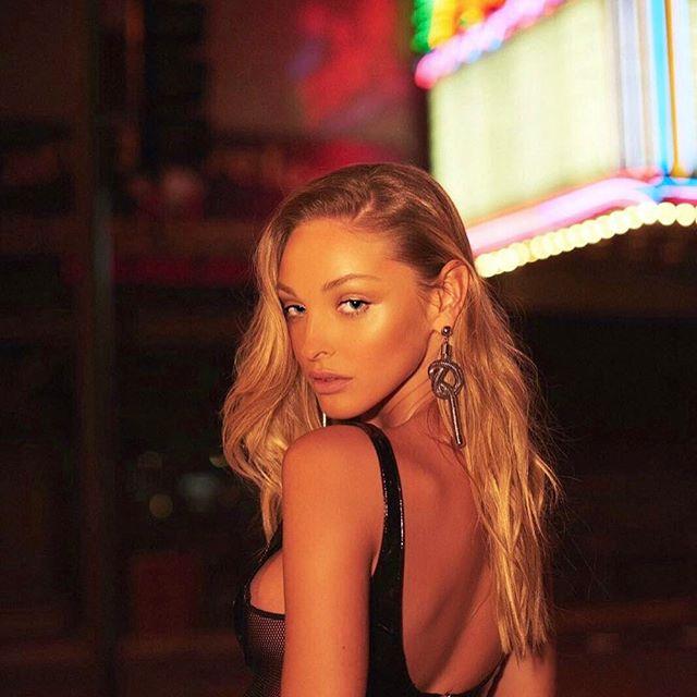 Kristina Sheiter Nude Photos 65